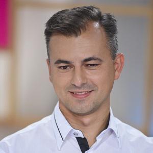 Százvai László